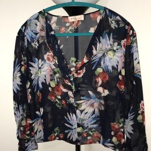 💐🌷 Gently used Blouse